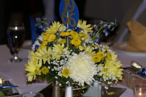 Thank you to Susie Harris for creating these beautiful centerpieces.